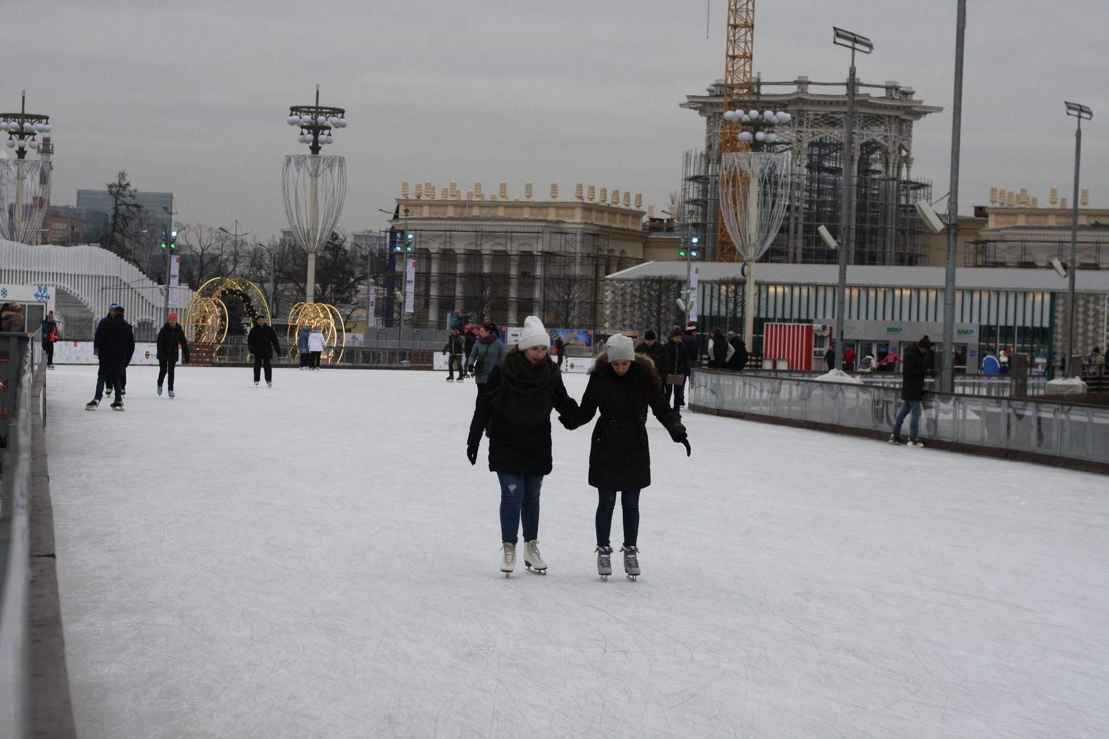 Всего в Москве зимой 2019-2020 гг будут открыты для посещения 1,4 катков