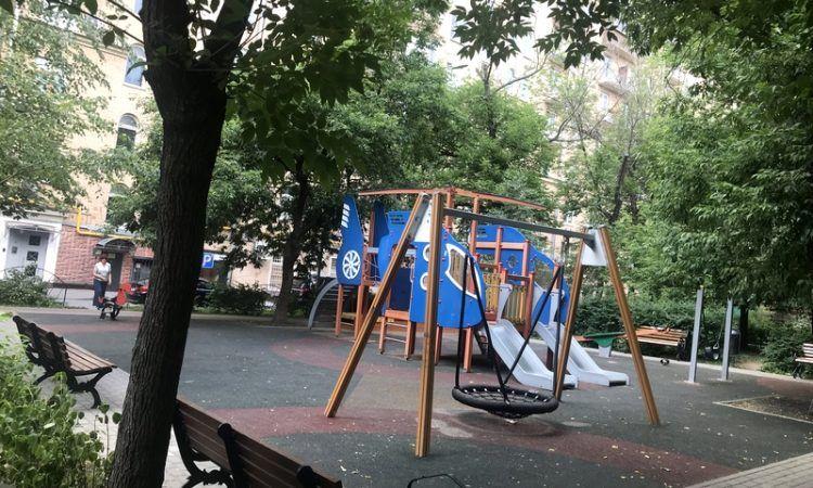 еще больше зелени и детских площадок