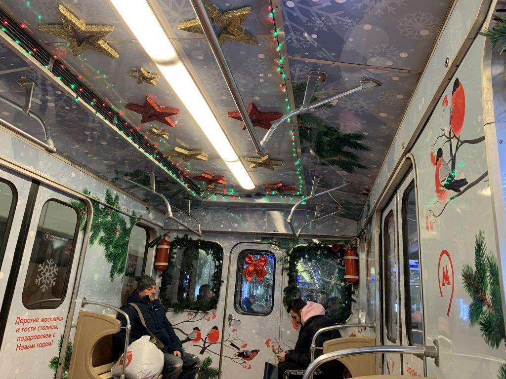 украшение Москвы, новый год, праздник, метро
