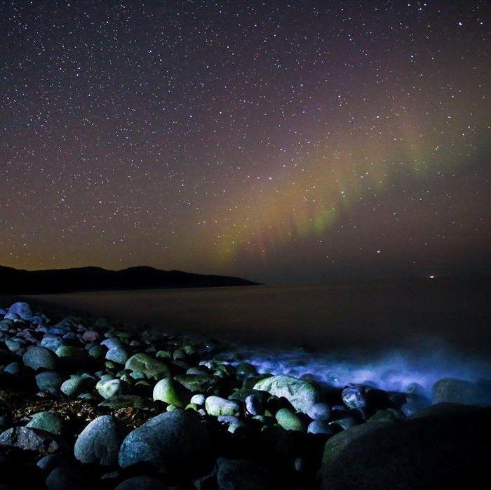Северное сияние над Арктическим побережьем. Мы должны приложить все силы чтобы сохранить эту красоту для наших потомков.