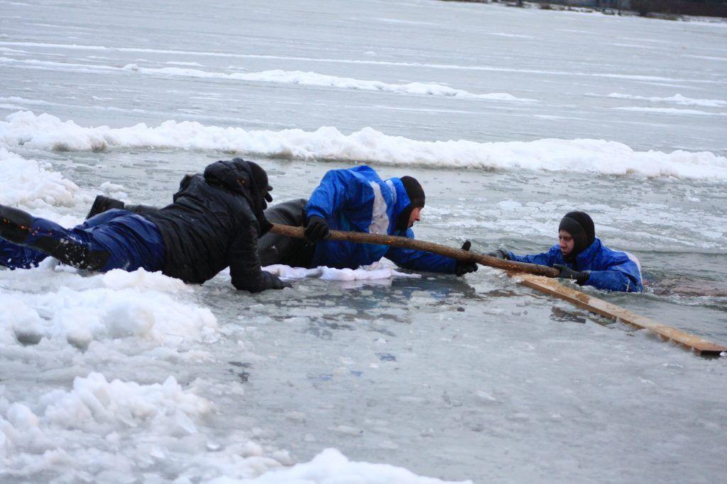 спасатели, праздник, крещение, лед