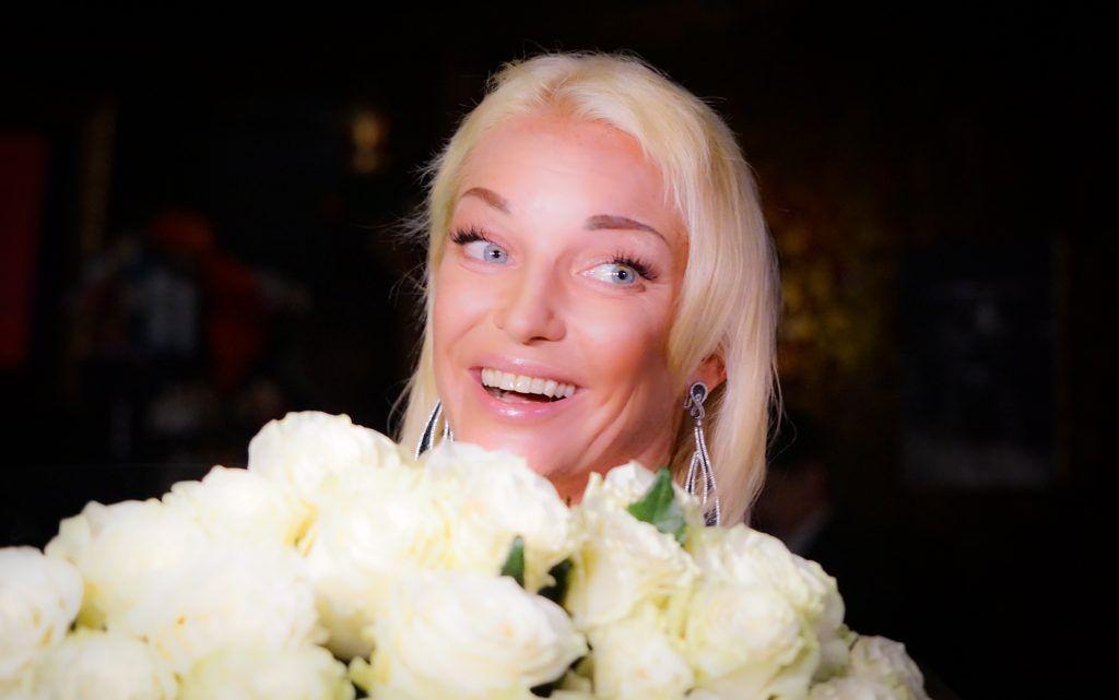 Анастасия Волочкова, цветы