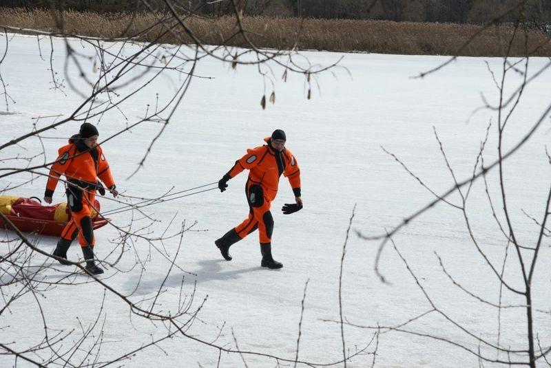 спасатели, зима, лед