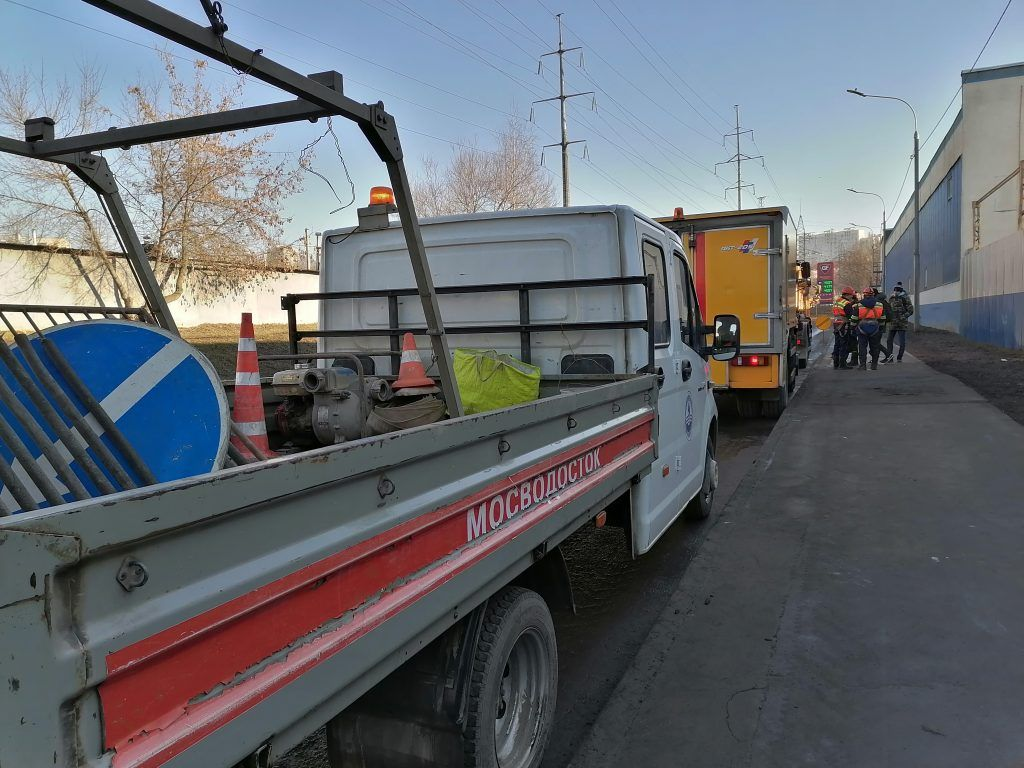 ГУП МОСВОДОСТОК, Южное Тушино, лужа