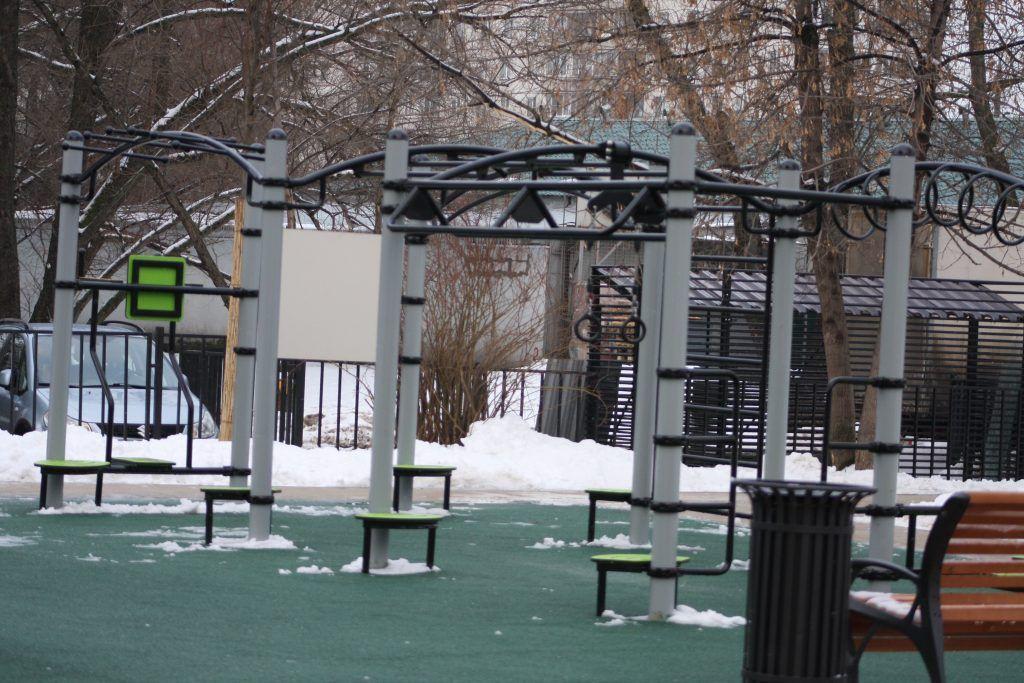 сквер, зима, воркаут - площадка