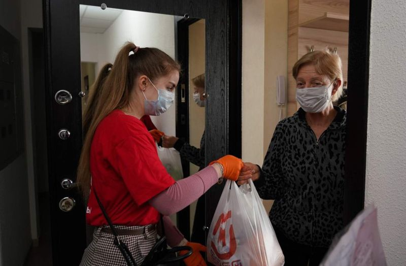волонтеры, самоизоляция, карантин, продукты, пожилые