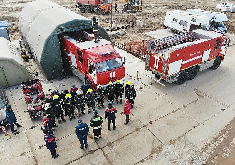 пожарные, спасатели
