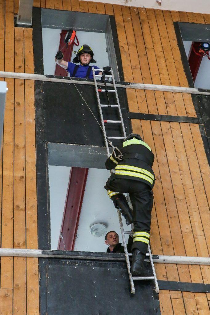 штурмовая лестница, пожарные