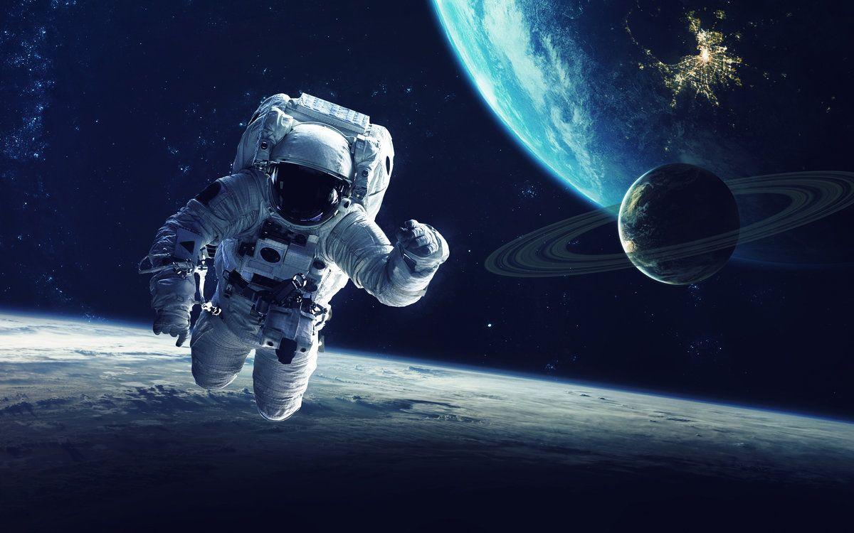 космос, 12 апреля