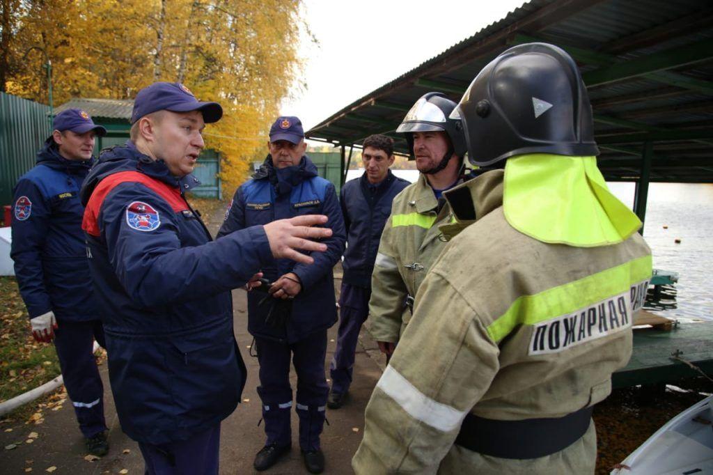 станция Серебряный бор, спасатели