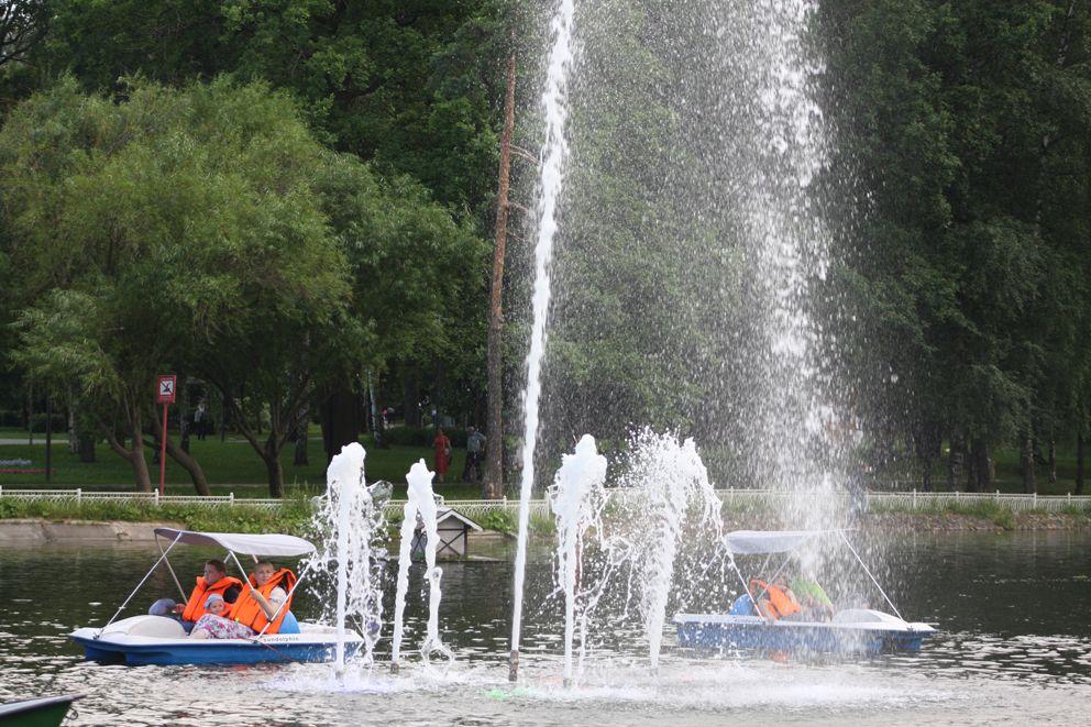 Фонтан в Нижнем Лианозовском пруду