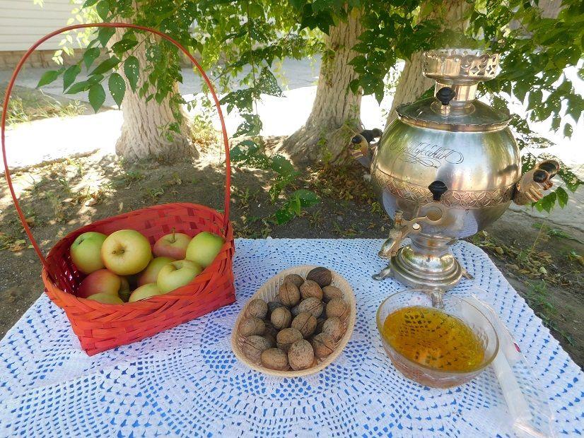 три спаса, медовый, ореховый, яблочный