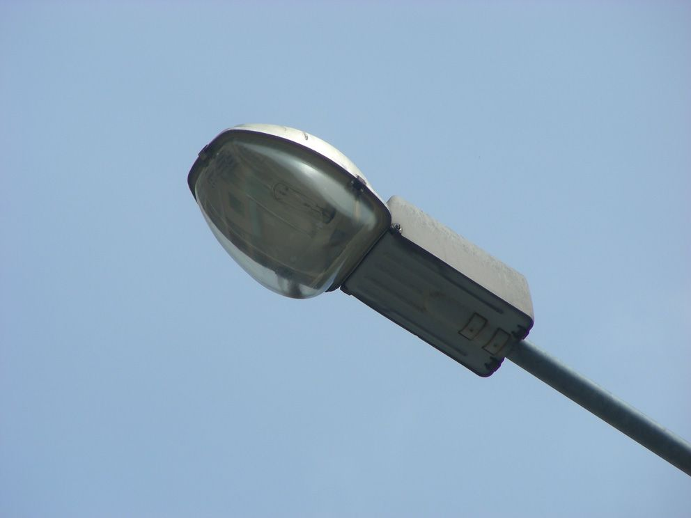 Новый уличный фонарь
