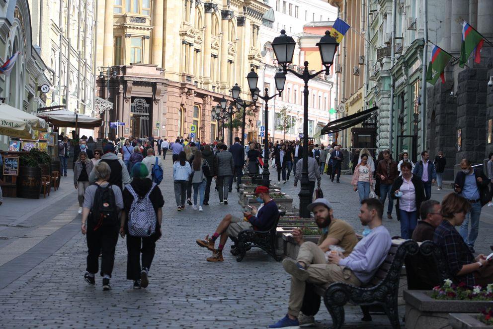 Шумная и оживленная улица Кузнецкий мост