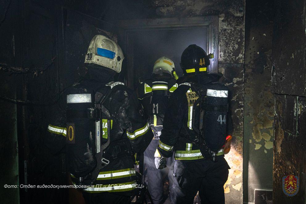 пожар, спасатели, пожарные, происшествия в Москве