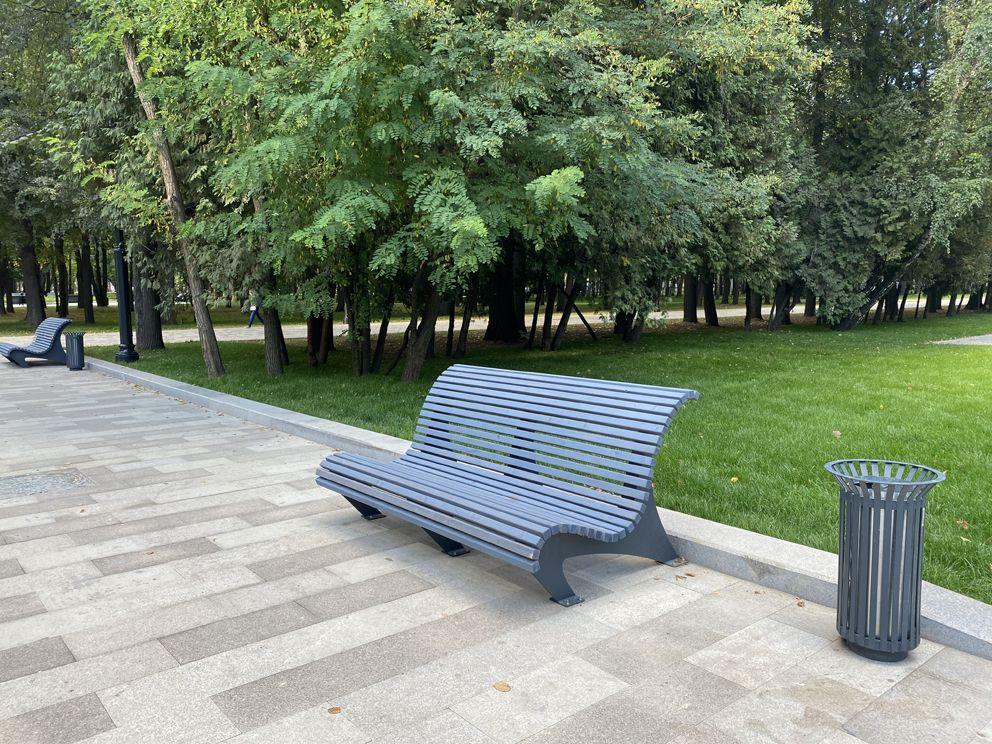 Новая комфортабельная скамейка