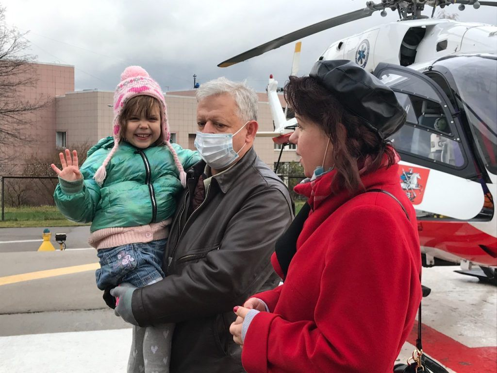 спасатель-пилот, девочка Варя, вертолет МАЦ