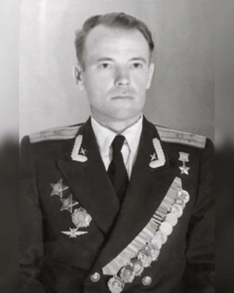 Герой Советского Союза летчик Александр Сарыгин.