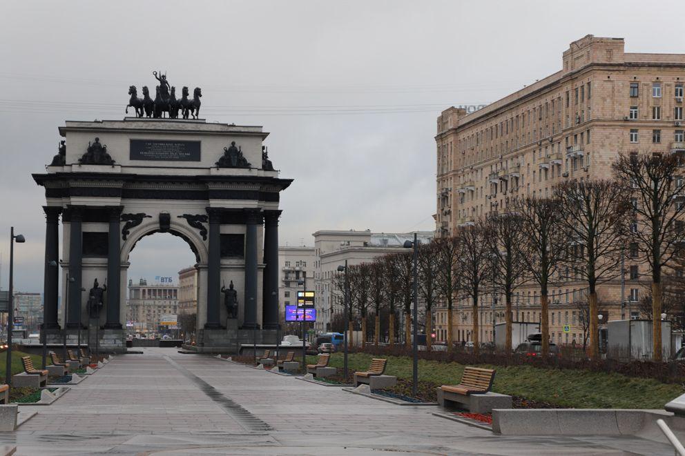 Липовая аллея, Триумфальная арка, Кутузовский проспект