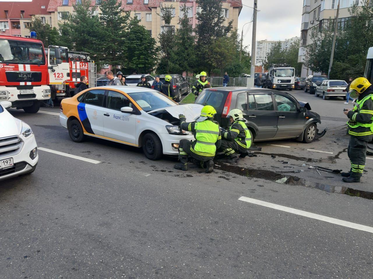 МАЦ, вертолет МАЦ, спасатели, ДТП, пожарные, происшествия в Москве