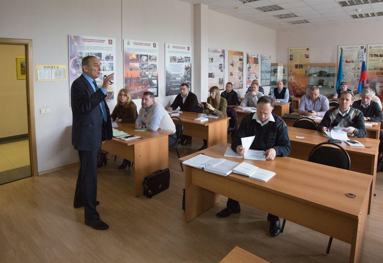 Константин Хижняков , лучший преподаватель