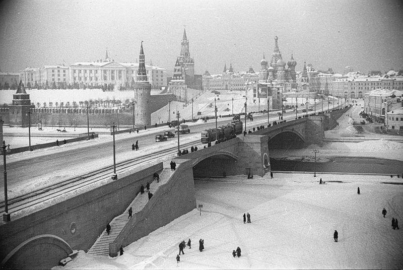 уборка снега, зима, старая Москва
