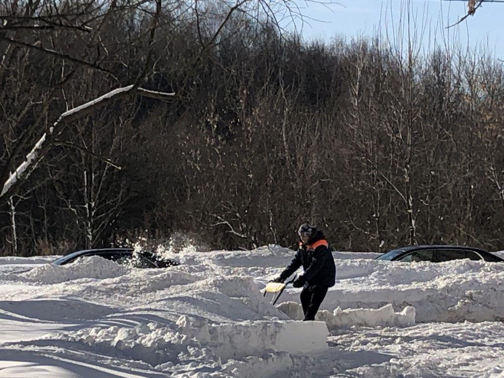 уборка снега, зима в Москве, снегопад,