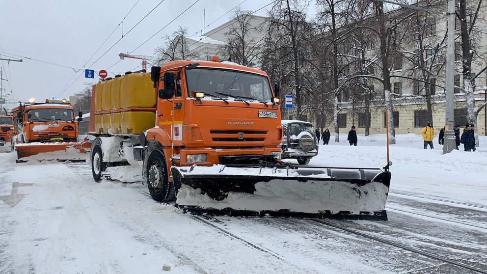 уборка снега, зима в Москве, снегопад