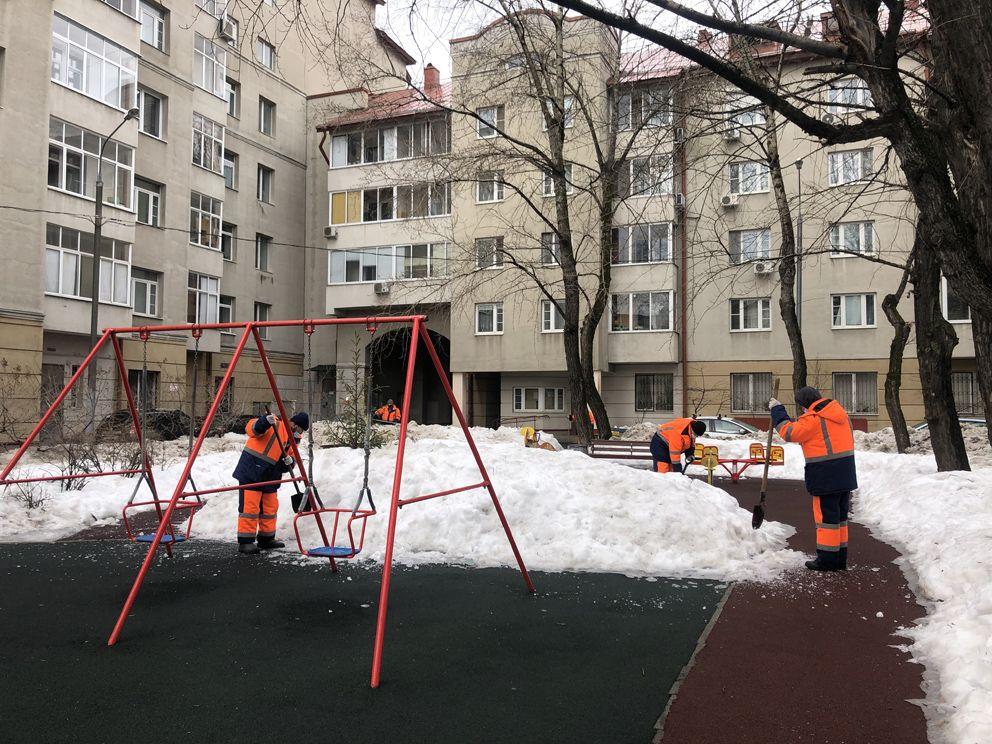 уборка снега, детская площадка, Лефортово