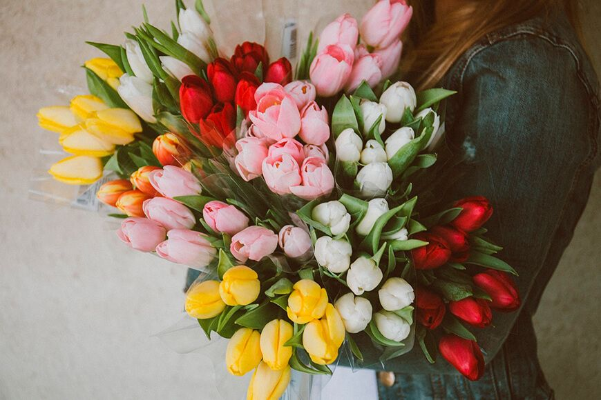 Подарок, цветы, тюльпаны