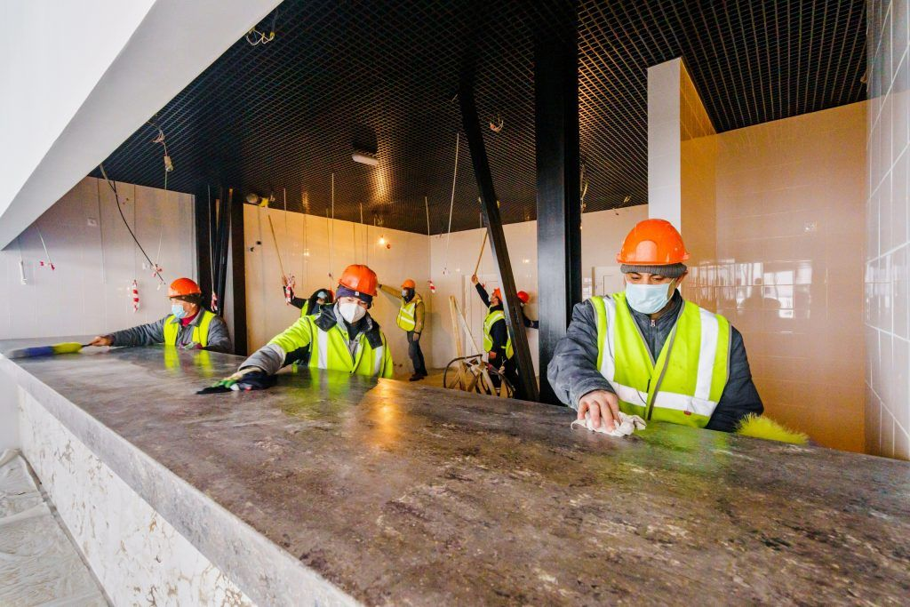 ресторан на воде, Парк Северного речного вокзала, строители