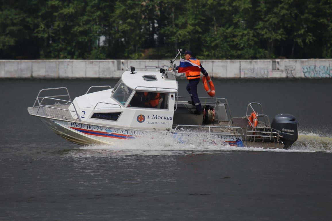 катер, спасатели, водоем
