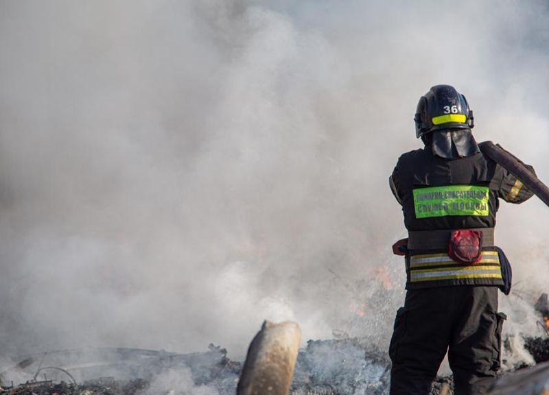 пожар, происшествия в Москве, спасатели, пожарные