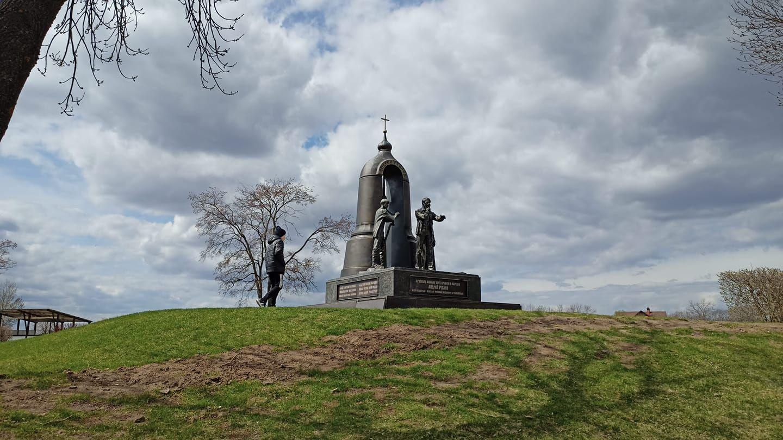 памятник фильму в Ярославле