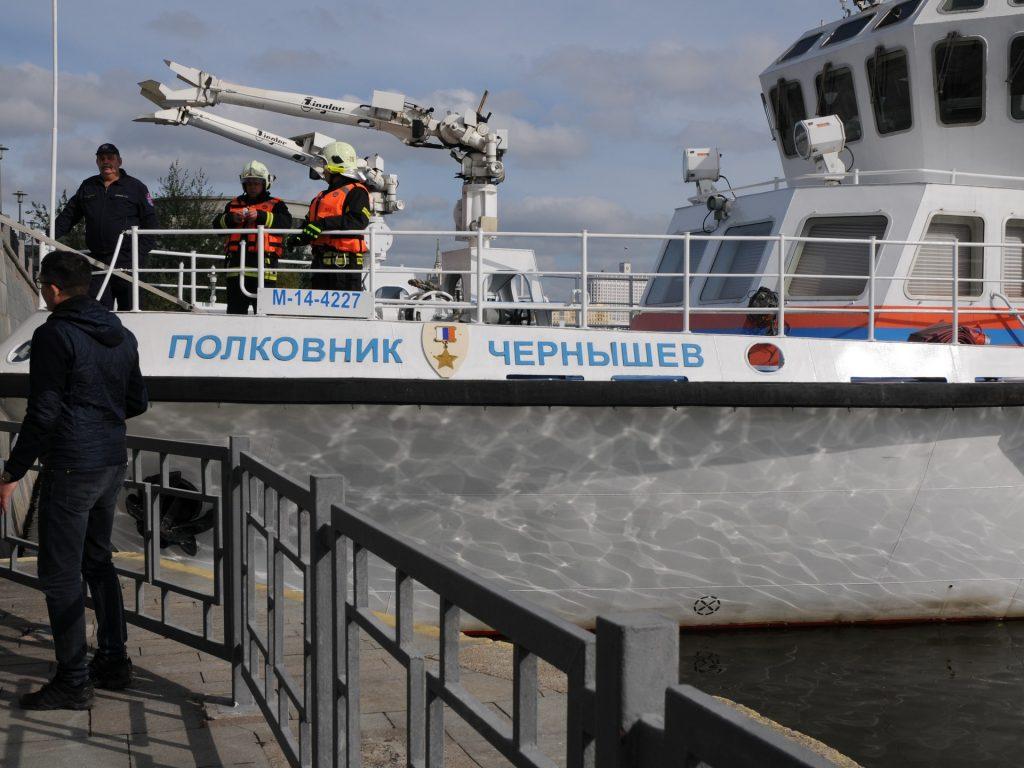 спасатели, учения, катер Полковник Чернышев, водоем