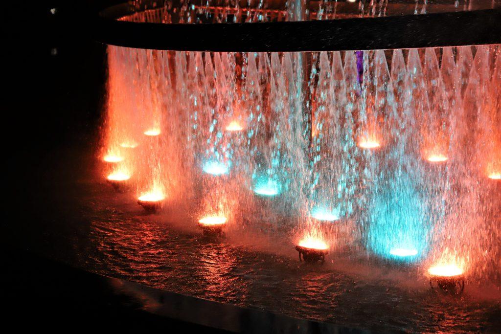 светодинамический фонтан, Фонтан-корабль в Чертаново