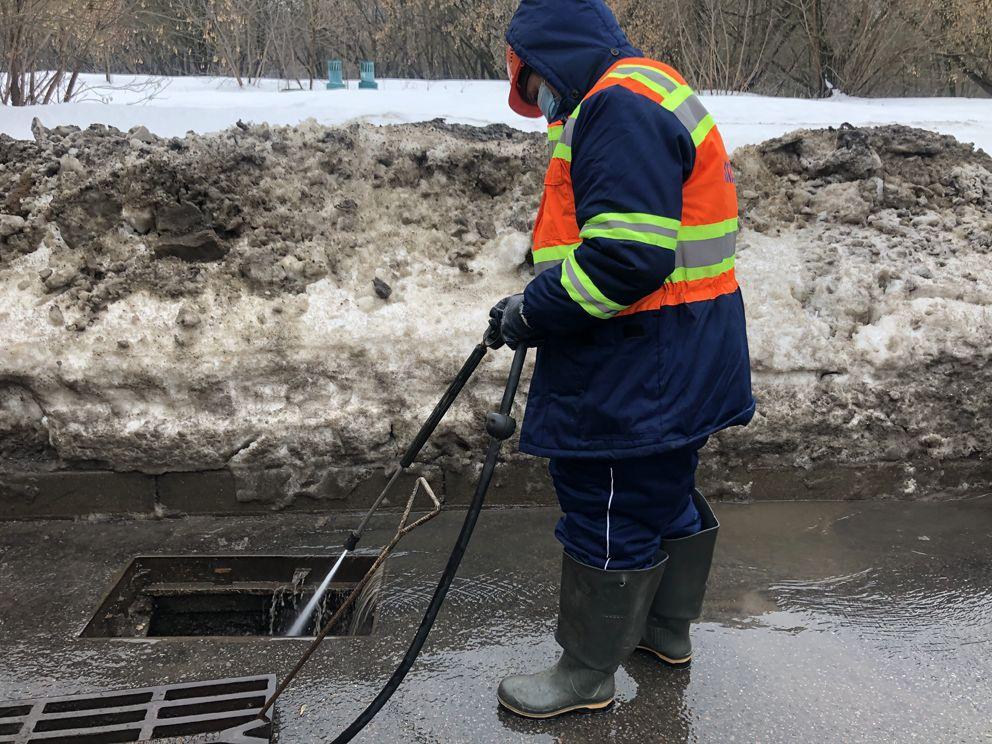Мосводосток, зима, канализация